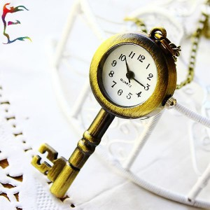 new-arrivals-fashion-vintage-bronze-key-pocket-watch-necklace-gift-watch-cartoon-hanging-pouch-fob-watch.jpg